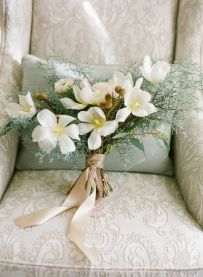 Dogwood-boho-wedding-bouquet